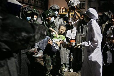 china-chengdu-2008-earthquake-saving-a-boy.jpg