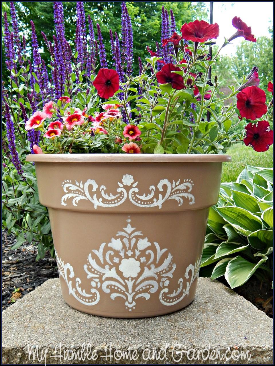 Paint Your Cheap Plastic Pots on MyHumbleHomeandGarden.com