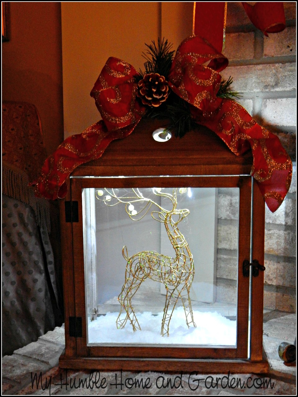 Love This Dazzling Christmas Decor?  It's Insanely Easy!