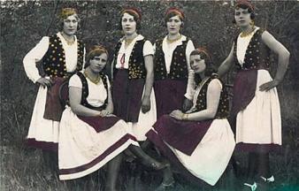 ženska narodna odjeća4