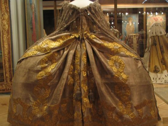 Odjevanje bogatih Splićanki u 18 stoljeću