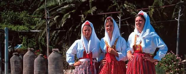 Poslovi i život dalmatinki u prošlosti