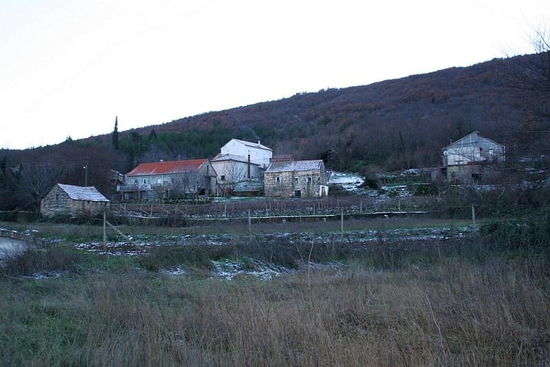 Zaboravljena sela Dalmatinske zagore -Vujevići-
