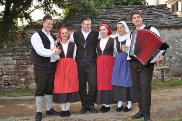 Tradicionalni običaji u Hrvata na Novu Godinu