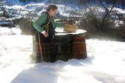 Tradicionalne stare posude za nošenje i čuvanje vode