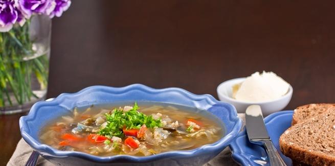 Jednostavna juha od povrća s dodatkom riže