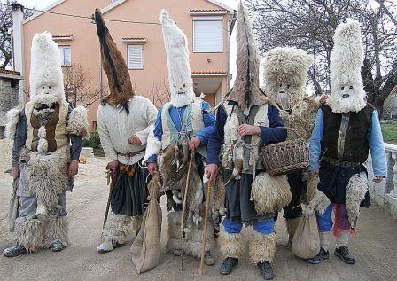 Poklade, običaji i tradicija -Sukoišanske maškare