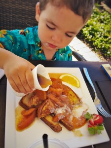 littleman-with-peach-french-toast-at-echo-restaurant-at-king-and-prince-resort-st-simons-ga-2