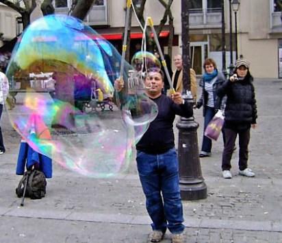 Street performer, Pompidou Center