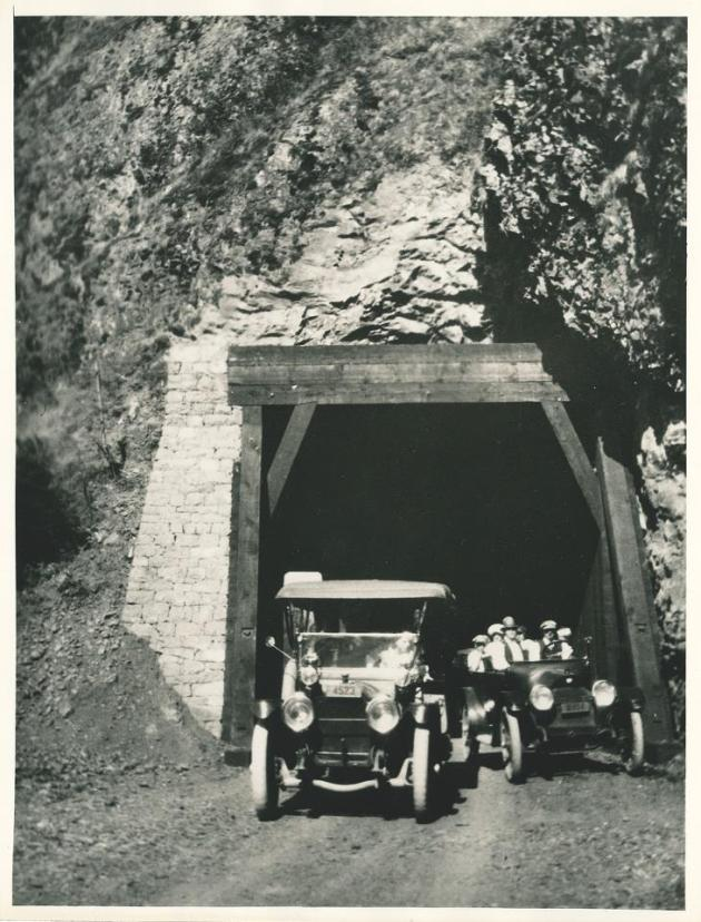 Oneonta Gorge Tunnel