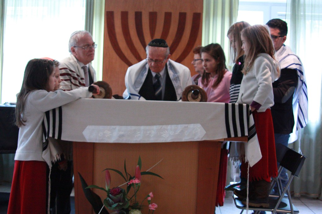 Henryk reading from the Torah