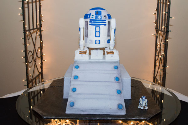 Looking for R2-D2?  He was the cake!