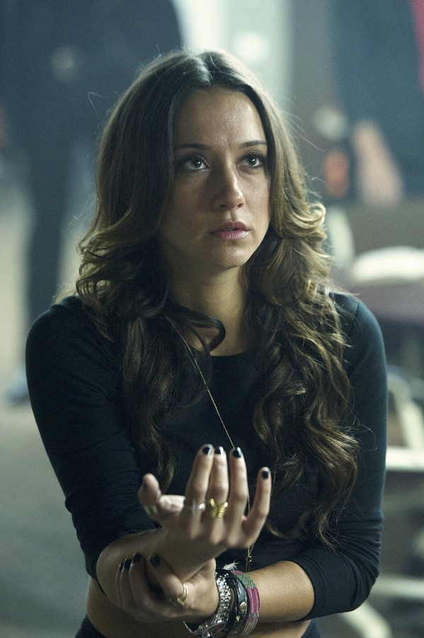 "THE MAGICIANS -- ""The World in the Walls"" Episode 104 -- Pictured: Stella Maeve as Julia -- (Photo by: Carole Segal/Syfy)"