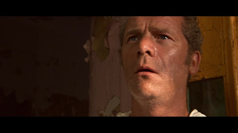 Too few days and too few men on his asbestos removal crew will soon be the last of Gordon Fleming's (Peter Mullan) problems.