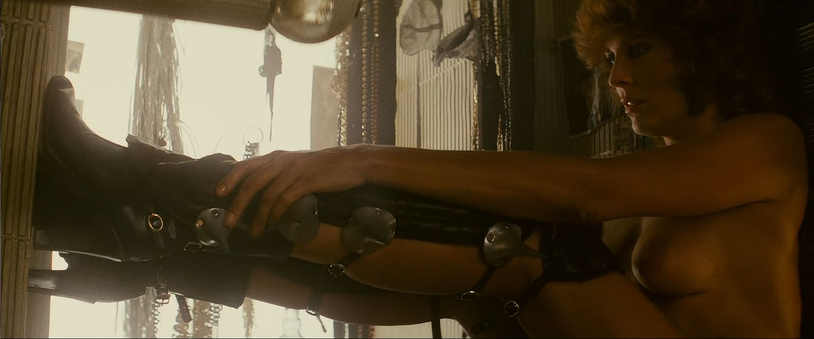 Blade Runner - Zhora - topless nude boobs