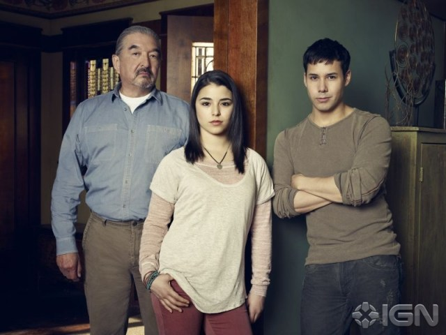 Rafe (Graham Greene) and his children, Christie (Nicole Munoz) and Quentin (Justin Rain) - Defiance