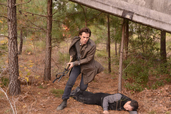 Billy Burke as Miles Matheson 'The Song Remains The Same'