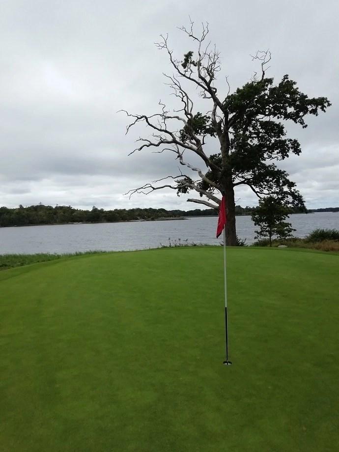 Svea y Pablo - Hoyo 3 del campo de golf Carlskrona GK