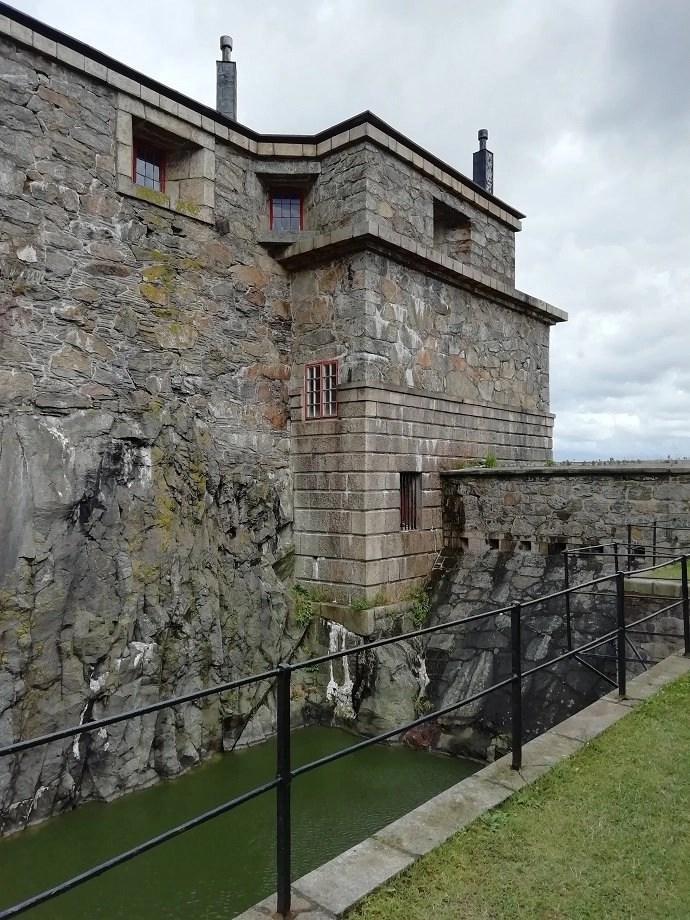 Svea y Pablo - Torre de vigilancia del patio de armas de la fortaleza de Carlsten