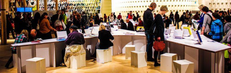 Alexander-Smolianitski-Trade-Show-Germany-Buchmesse-Book-Fair-audience-crowd