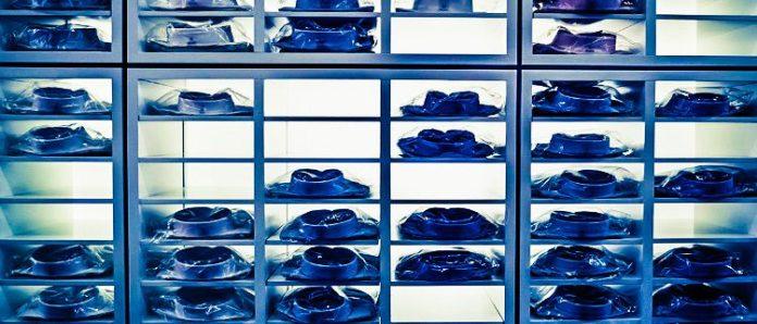 herbstkind-shopping-shirts-business-attire-men-man-guys-blue-collar-white-rack-light-german-designer-brand
