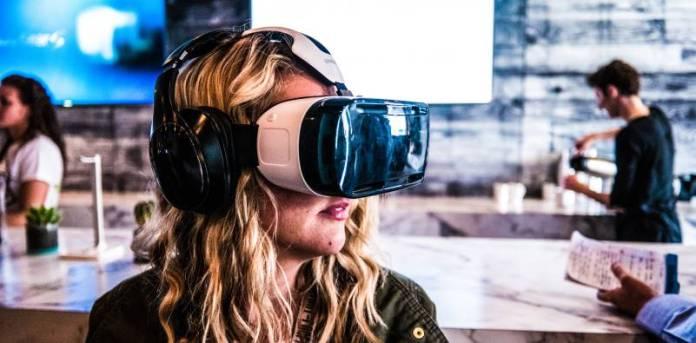 Woman Samsung VR Gear Headset Virtual 360 Video Entertainment YouTube Market Leader Future Opinion Prediction