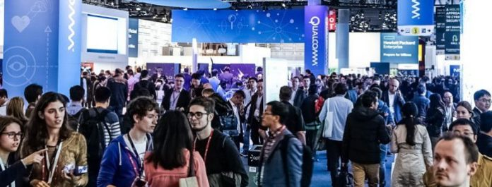 MWC 2017 People Group Audience Smartphones Mobile World Congress Barcelona Preview Event Fair Congress News