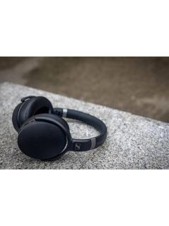 Get ready for the Sound of Summer with Sennheiser 8