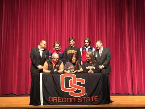 Victoria Shelton, rowing, signs with Oregon State