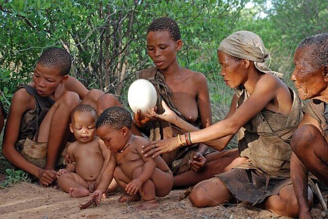 Ureinwohner mit ihren Kindern
