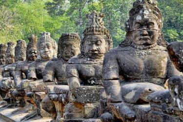 Viele Statuen in Kambodscha wurden zerstoert.
