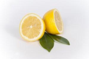 電子レンジの掃除にはレモン
