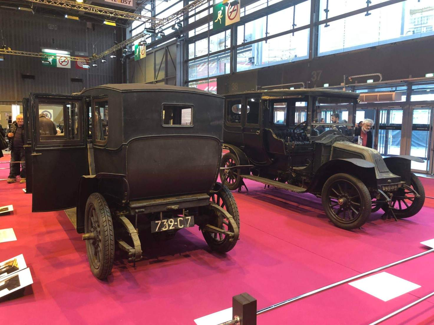 The Musée des Transports de Compiègne showed a part of their collection, including Renaults given to the museum by Louis Renault Himself in 1929!