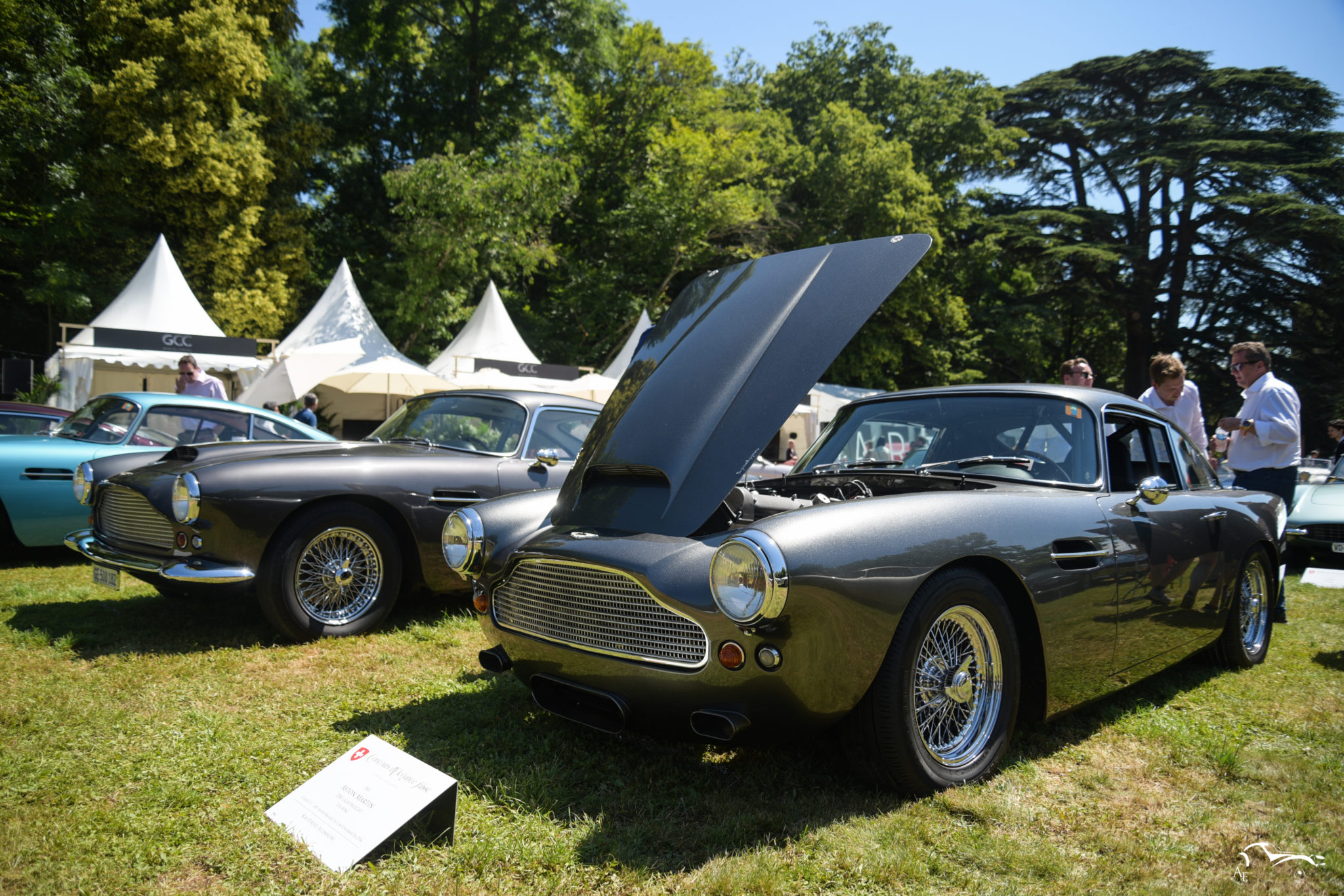 Aston Martin DB4 Lightweight Touring & DB4 Series II