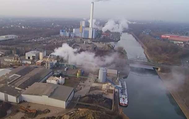 Из-за утечки кислоты нахимзаводе вГермании пострадали 150 человек