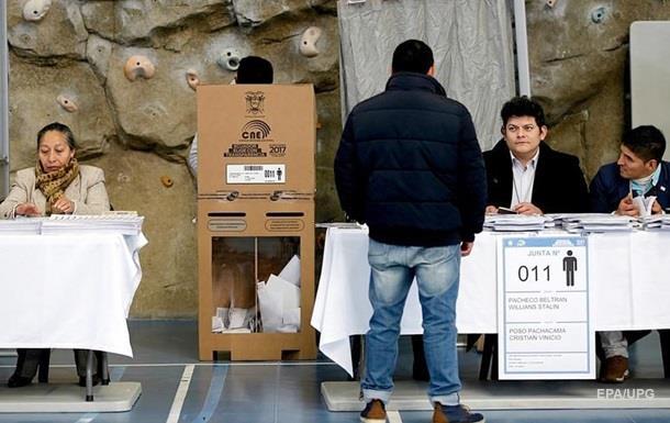 Президента Эквадора не смогли выбрать в первом туре