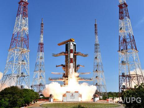 С индийского космодрома взлетела ракета со 104 спутниками на борту