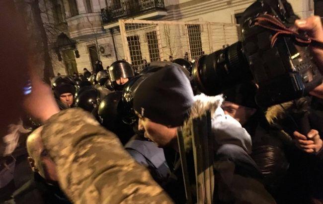 Народного депутата Украины Соболева избили впроцессе столкновений вцентре украинской столицы