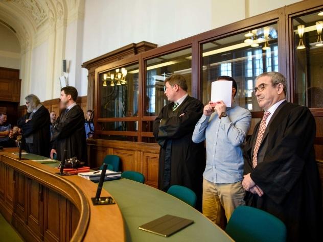 Двум стритрейсерам дали пожизненные сроки за гонки по Берлину