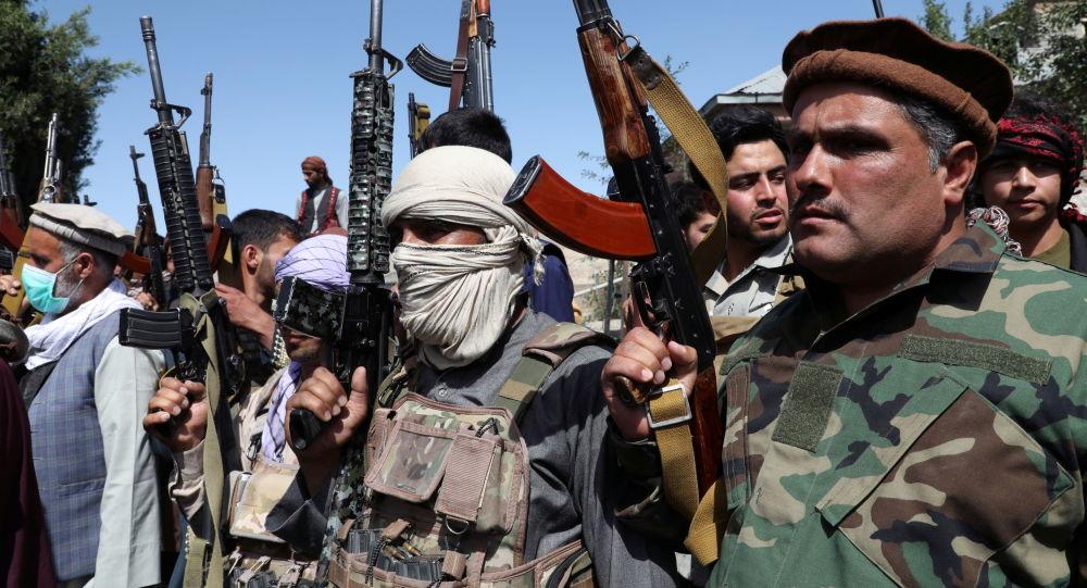 По сообщениям, двое убиты, 30 ранены в результате атаки талибов на востоке Афганистана