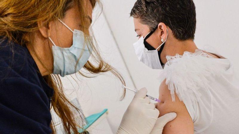 Минздрав России одобрил совместные испытания вакцины AstraZeneca и Sputnik Light