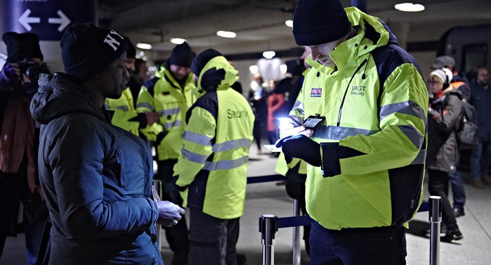 Депортированный член банды проскальзывает обратно в Данию, выдавая себя за беженца от талибов