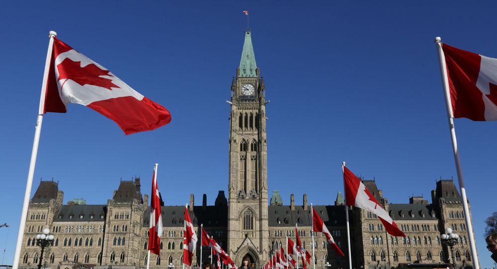 Глава канадской партии критикует политическую систему и заявляет, что Запад больше не останется без внимания