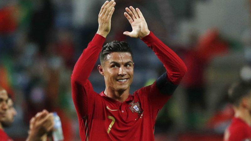 Криштиану Роналду, как сообщается, сказал «взволнованному» составу «Манчестер Юнайтед»: «Нам нужно выиграть Премьер-лигу»