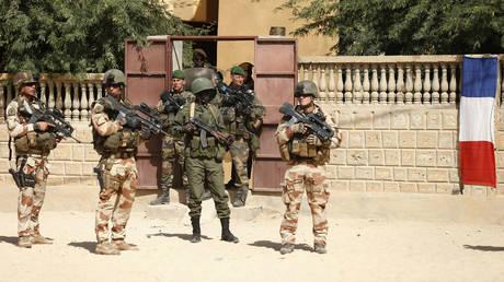 Макрон: французский спецназ « нейтрализует » лидера террористической ячейки Исламского государства в Сахаре
