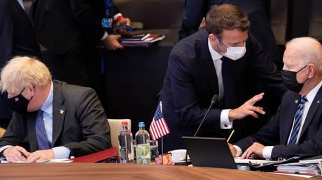 Министр иностранных дел Франции заявил, что НАТО должно принять во внимание его резкую критику в адрес США и Австралии из-за сделки с AUKUS