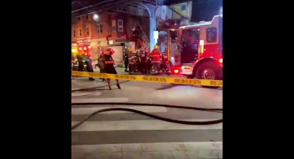 «Множество людей» оказались в ловушке после обрушения здания в Филадельфии — фото, видео