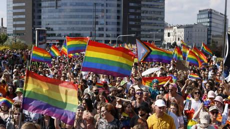 Первый регион в Польше отказался от анти-ЛГБТ резолюции из-за угроз потери средств ЕС