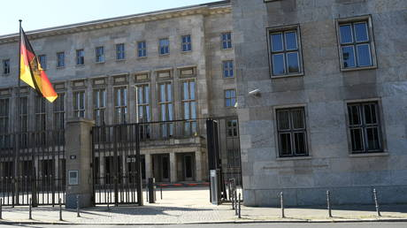Прокуратура Германии обыскивает министерства финансов и юстиции в рамках расследования по делу об отмывании денег