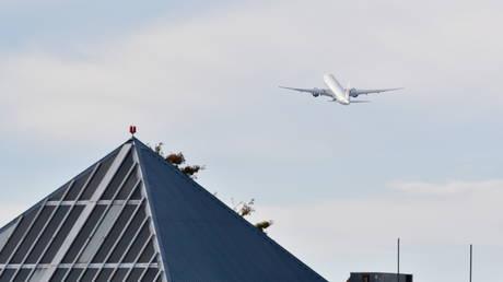 Трюдо говорит, что двое канадских граждан, обвиняемых в шпионаже со стороны Пекина, сели в самолет домой через несколько часов после освобождения руководителя Huawei